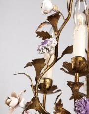 Italienischer Kronleuchter mit farbigen Blumen aus Porzellan